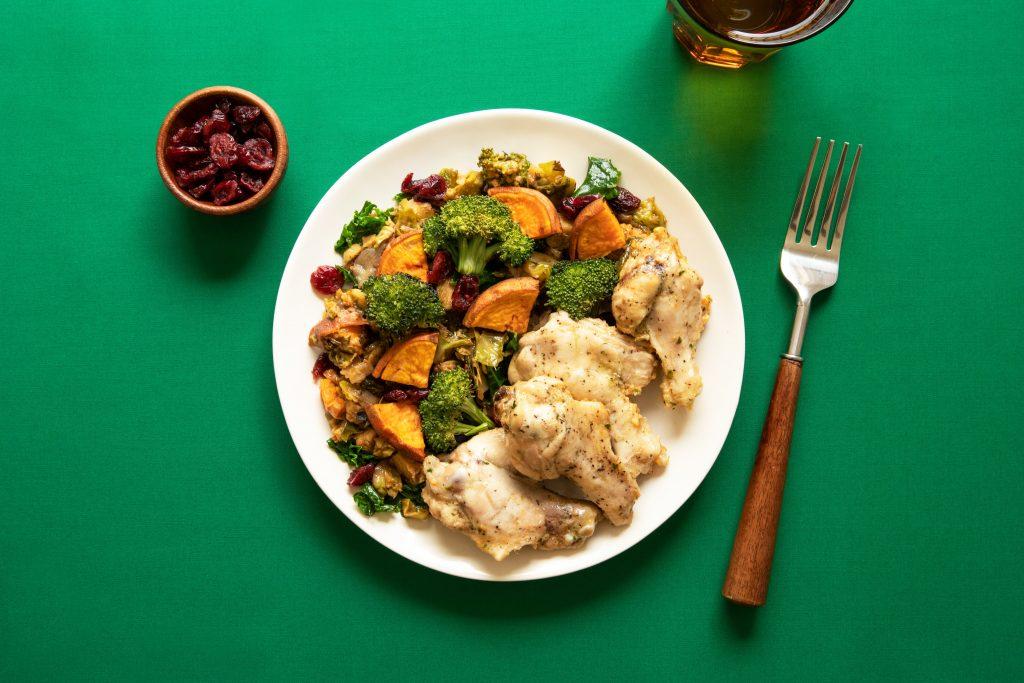 plato de comida con brocoli